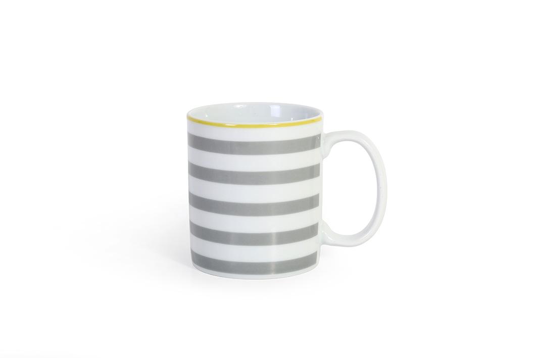 Astriz Gris mug 03 P